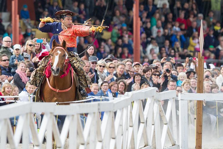 yabusame_japanese_horseback_archery