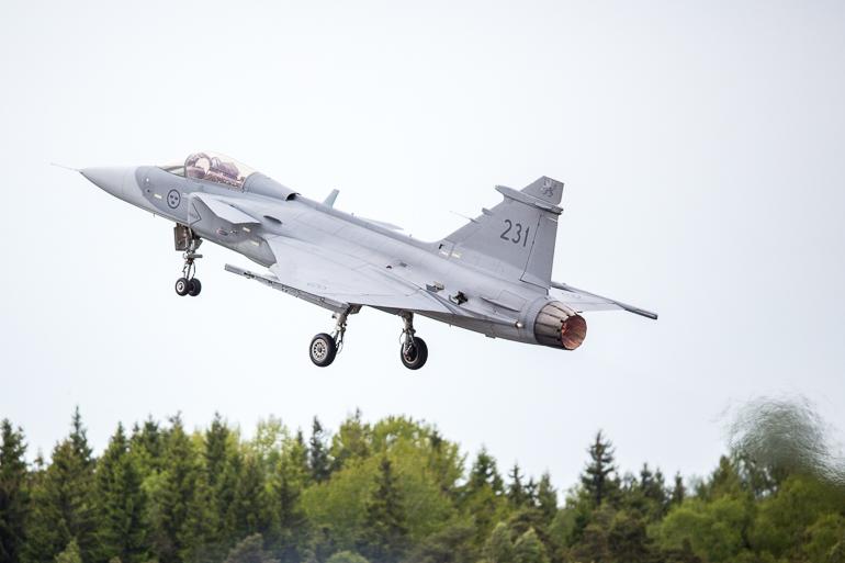 turku_airshow_cross_border_training_f16_f18_jasgripen-6