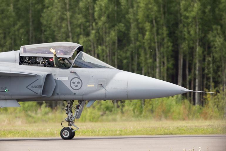turku_airshow_cross_border_training_f16_f18_jasgripen-7