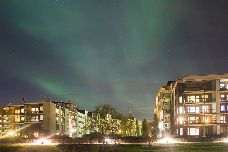 aurora_borealis_northern_lights_helsinki_arabia