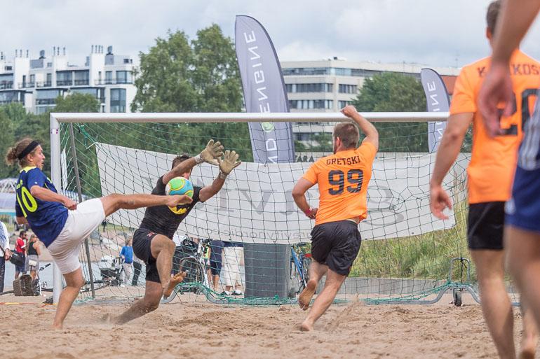 beachfootball_gretski_99