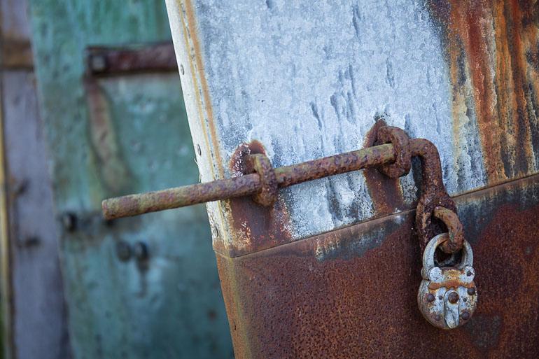 vallisaari_doors