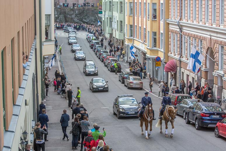 president_mauno_koivisto_funeral_procession-15