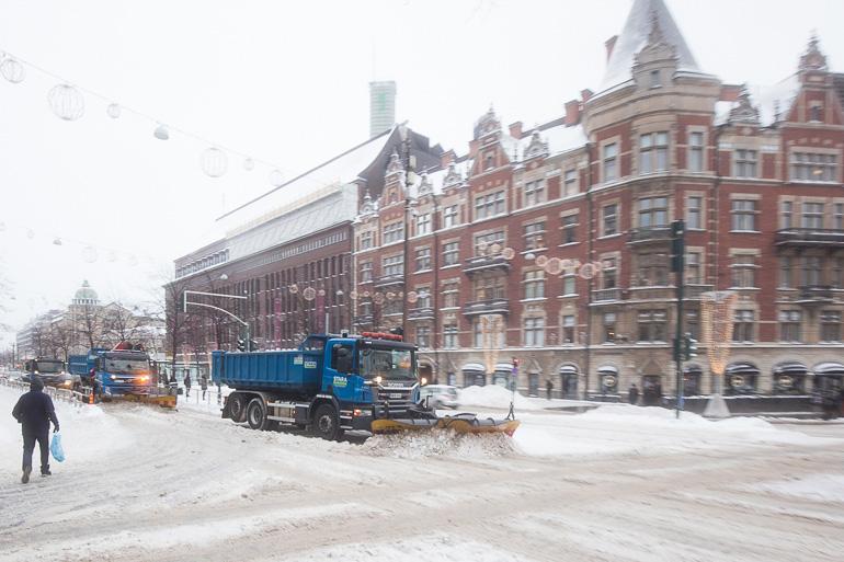 helsinki_snowplough_mannerheimintie